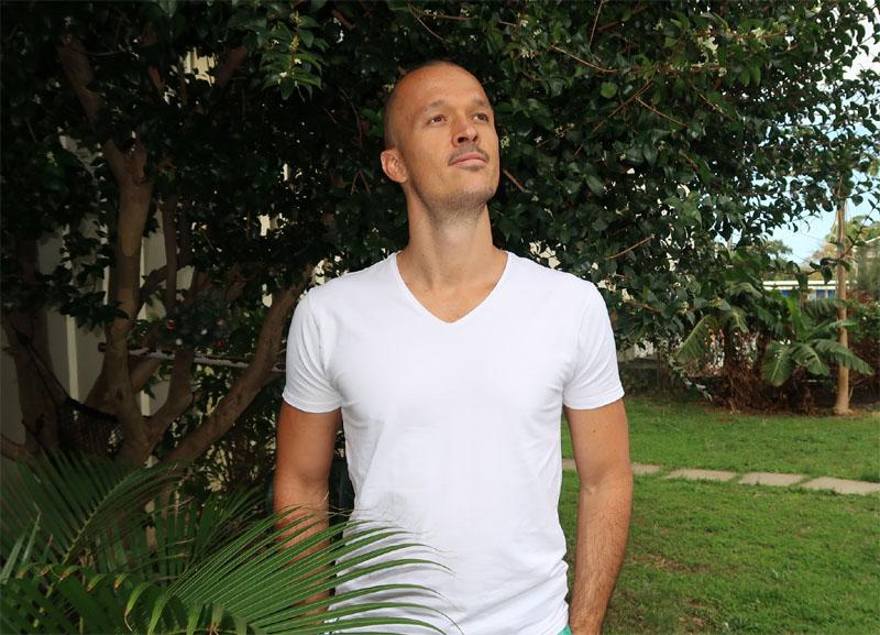 Loris Vitry : yoga thérapeute et coach en respiration