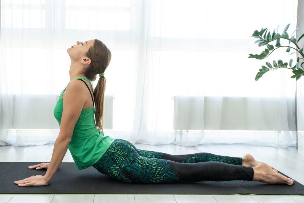 Comment apprendre à faire du yoga seul à la maison?