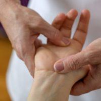 Comment apprendre à faire l'acupression?