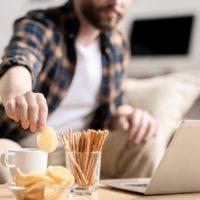 Comment arrêter et éviter le grignotage compulsif?
