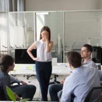 Comment ne pas rougir en réunion (timidité)?