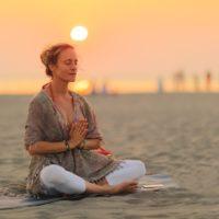 Comment pratiquer le Yoga Kundalinisans danger ?