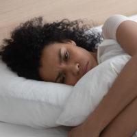 Comment vaincre la peur de dormir seul?