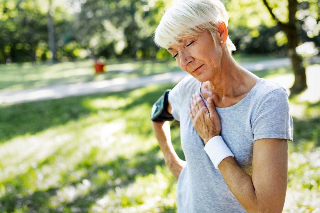 Palpitations: comment les calmer et les stopper