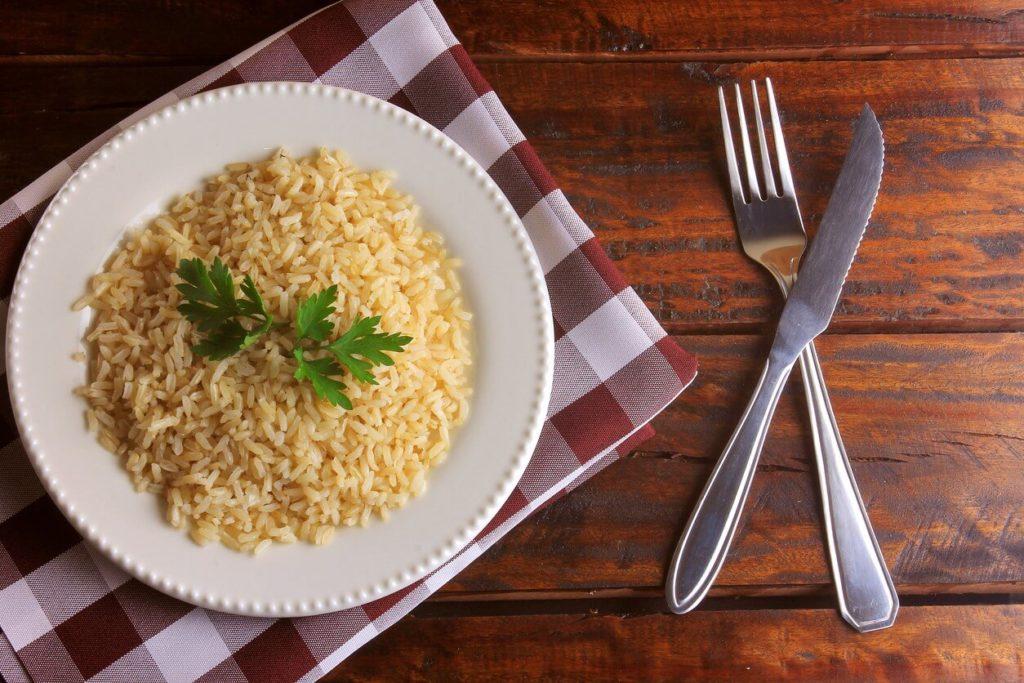 Régime macrobiotique à base de riz complet